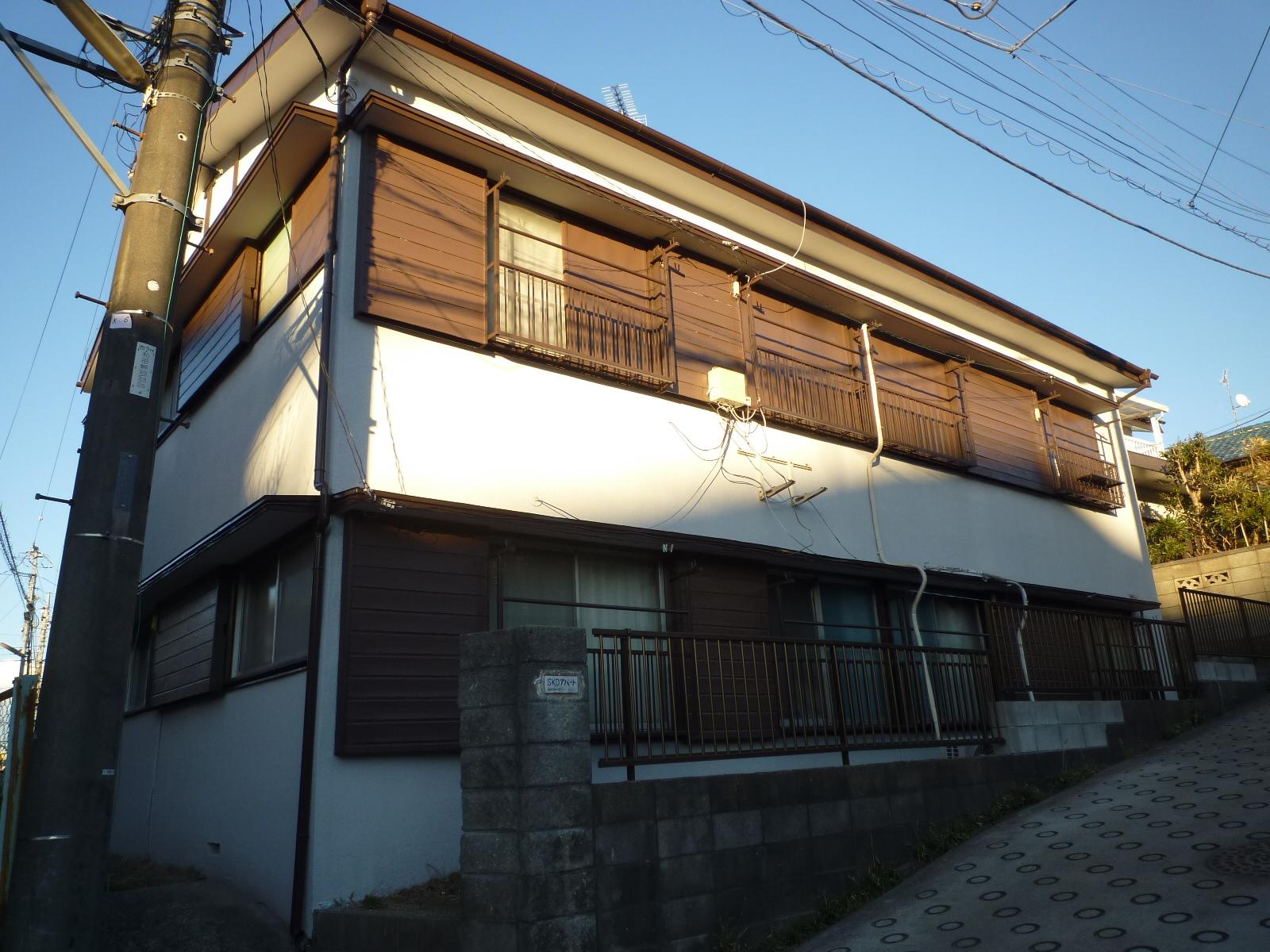 社有アパートの屋根外壁塗装工事終了後の写真